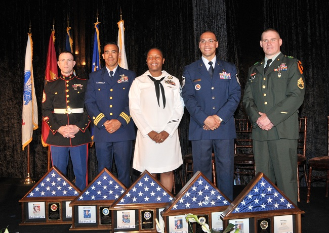 Servicemen Of The Year :: 2010 Military Times Service